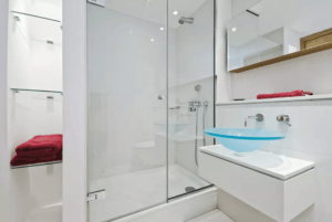 Clean Glass Shower Screen