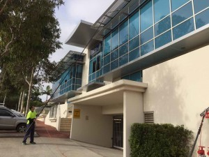 Cleaning Large Commercial Windows