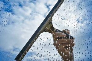 window cleaning tips image